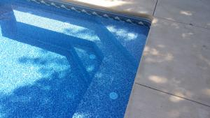 Custom step and bench picture, Vinyl pool